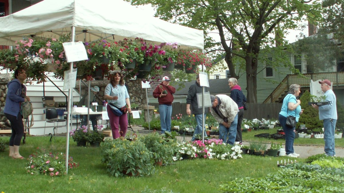 The 16th Annual UU Middleboro Plant Sale will be held on Saturday, May 7, rain or shine, on the front lawn of the First Unitarian Universalist Society, 25 S. Main St., Middleboro, from 10:00 am to 3:00 pm. Please come and peruse the wide selection of hanging plants, vegetables, annuals, and locally grown perennials from members' gardens.